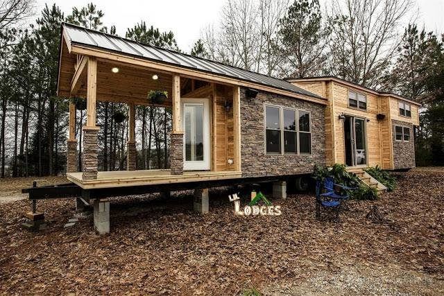01-Home-with-Porch-LiL-Lodge-Tiny-Home-with-Great-Design-Features-www-designstack-co