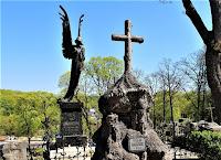 Czarny Anioł na Cmentarzu na Rossie
