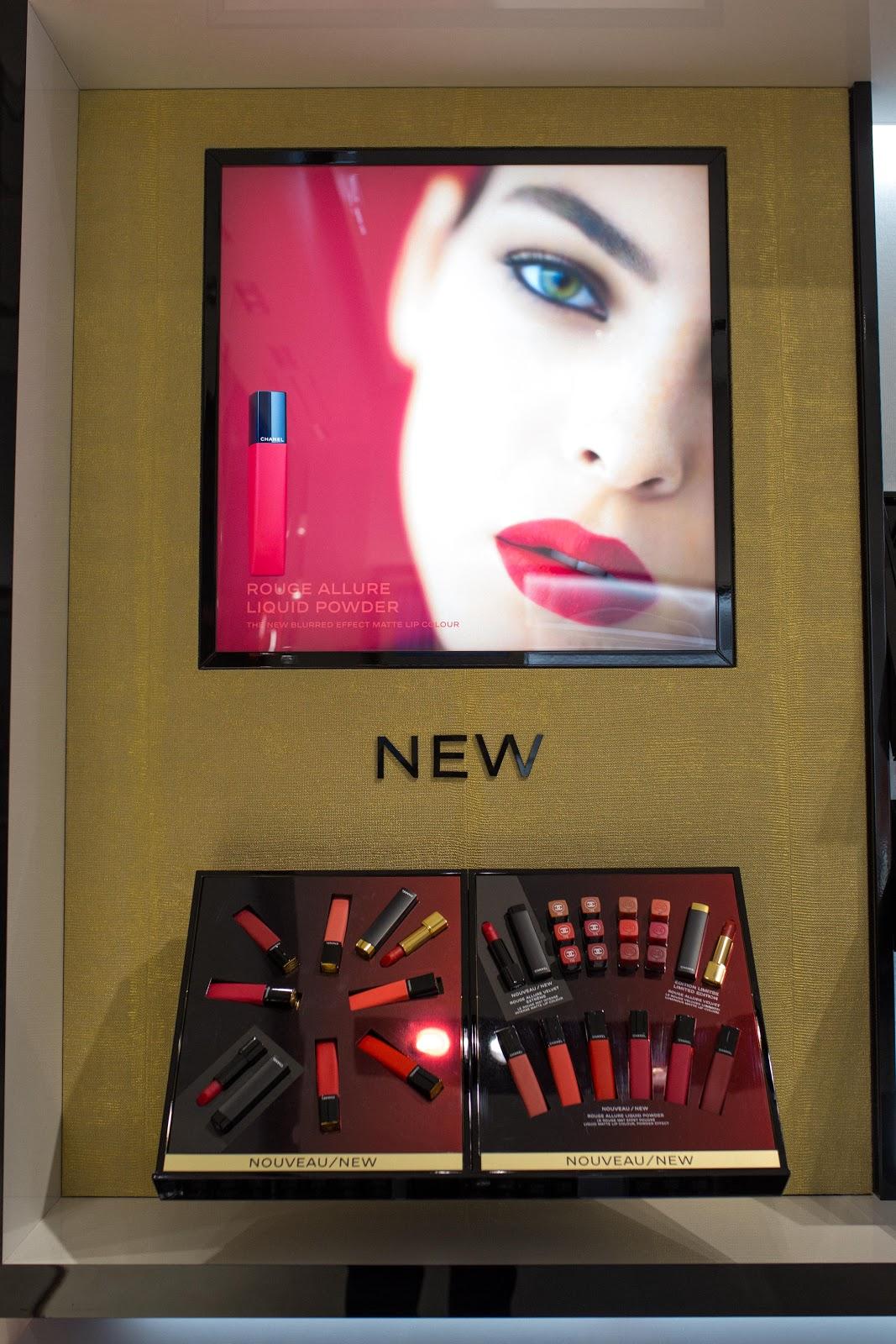 f1d0819ac4a45 W warszawskiej Galerii Mokotów od niedawna możemy poczuć i zobaczyć na  własne oczy kwintesencję Chanel.