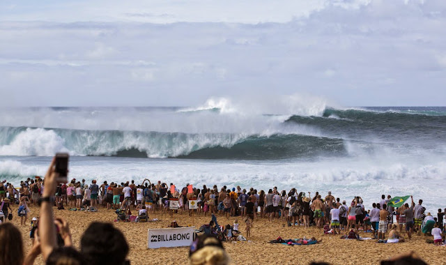 14 Billabong Pipe Masters Sets Foto ASP