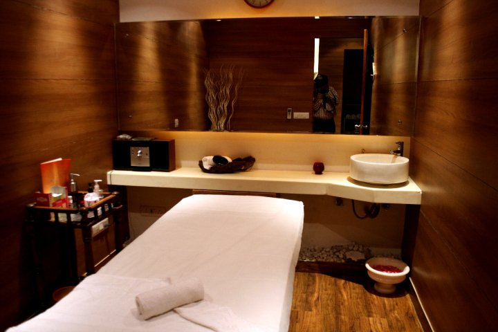 Picture For Beauty Facial Room Interior Drsign 97