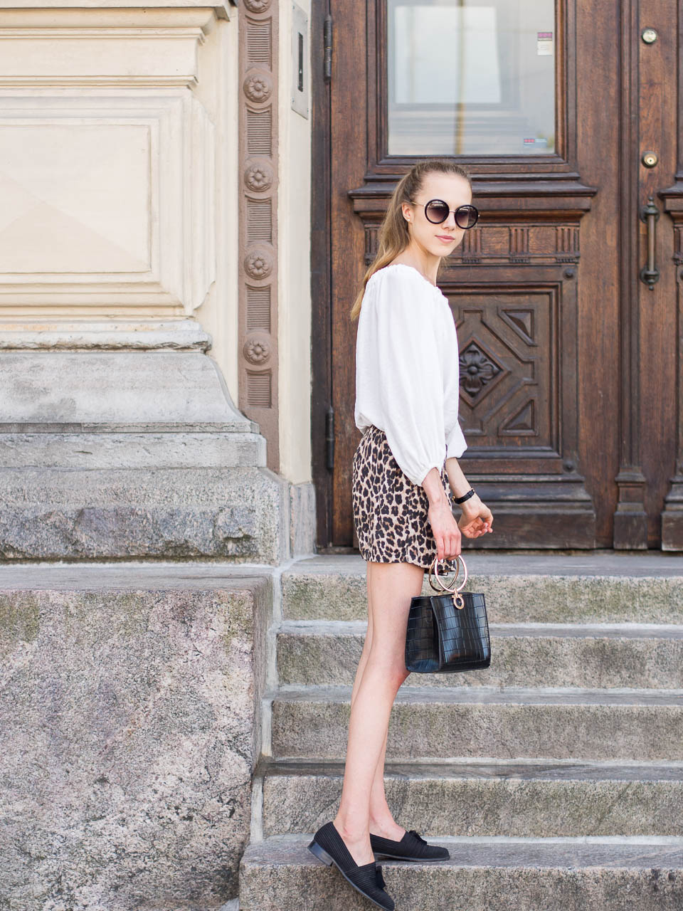 fashion-blogger-style-leopard-print-shorts