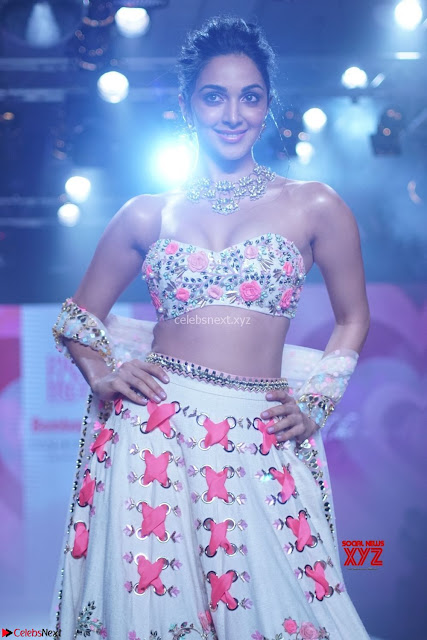Kiara Advani walks the ramp showcasing the collection of label  Papa Dont Preach by designer Shubhika during the Bombay Times Fashion Week 2018 ~  Exclusive 002.jpg