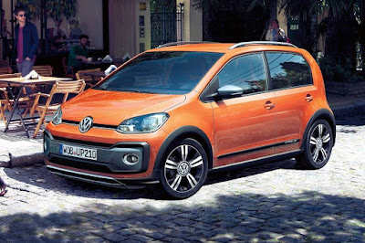 Volkswagen Cross Up! 5-Door (2017) Front Side