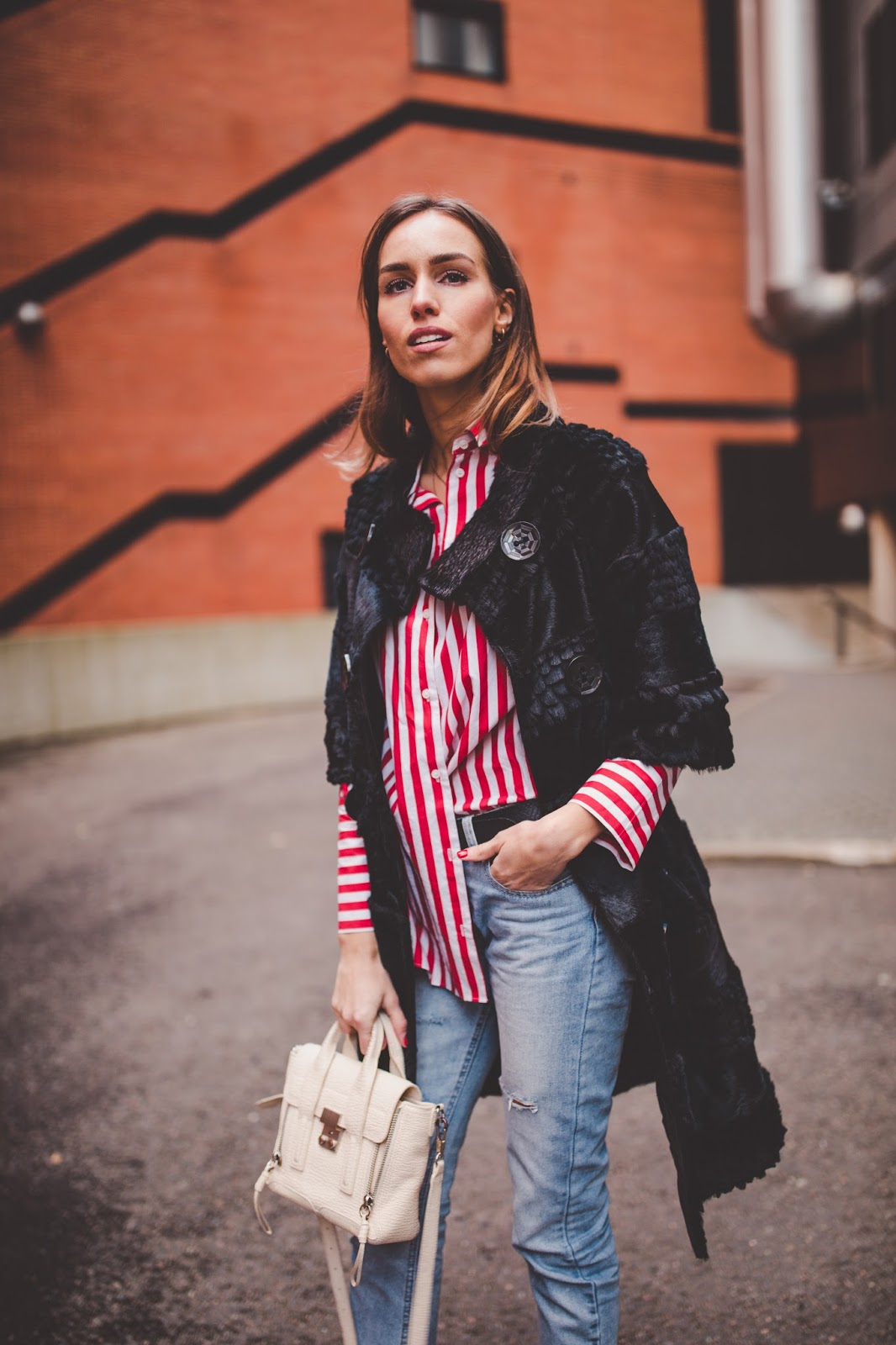 stripe shirt minimalist fall outfit