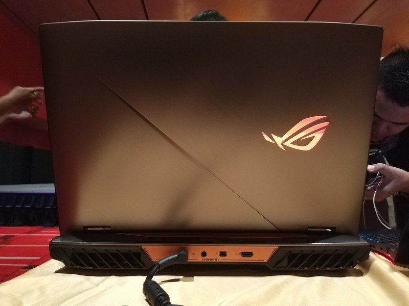 Hands On Review Asus ROG G703GI, Laptop Gaming Bertenaga Intel Core i9-8950HK