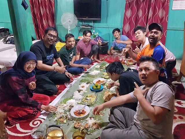 makan gadang di rumah gadang SRG