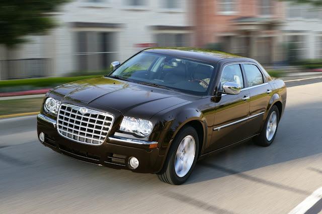 Recall: Chrysler 300C e Wrangler por defeito no airbag