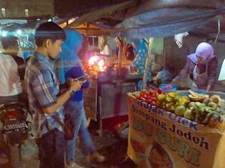 Ngantri beli Rujak Simpang Jodoh: Blon sah ke #Tembung kalo tidak beli rujak simpang jodoh