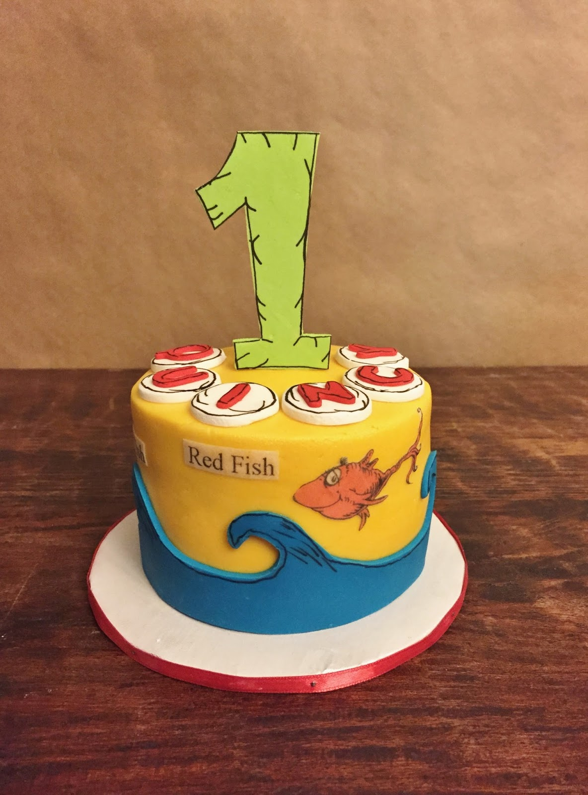Cakes By Mindy Dr Seuss Smash Cake 4 Quot And Caupcakes