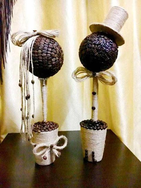 تحف فنية من حبّات القهوة يبدعها شاب من السويداء