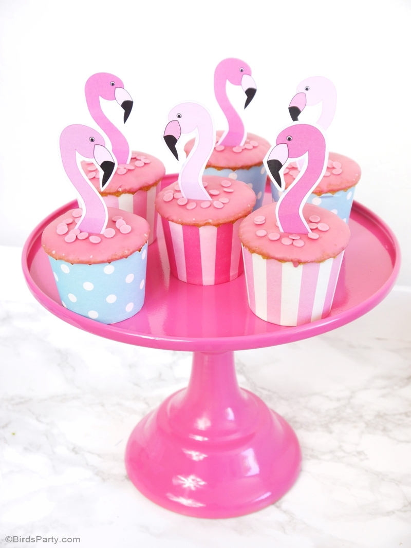 Flamingo Pool Party Birthday Cupcakes - BirdsParty.com
