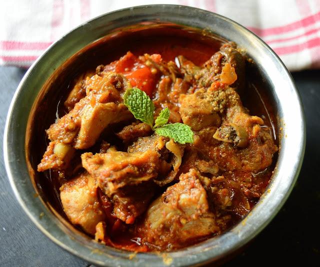 Nattu Kozhi Kuzhambu | Chicken curry without Coconut | Step by Step