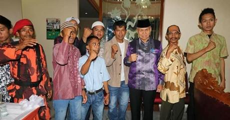 """Open House di Rumah Dinas Wawako Padang """"Dibanjiri"""" Warga dan Para Pejabat"""