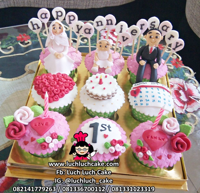 Cupcake Cantik Pink Tema Anniversary