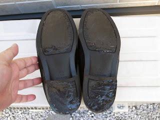 セメダイン シューズドクターNで靴底の盛盛補修13