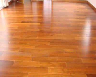 Thay vì sử dụng sàn gỗ giáng hương, hãy lựa chọn sàn gỗ tự nhiên căm xe