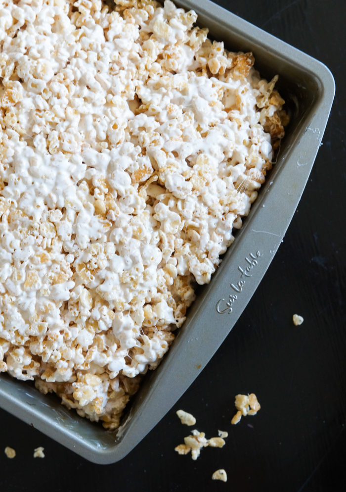 Brown Butter Rice Krispies Treats with homemade marshmallow creme | bakeat350.net