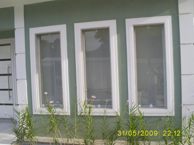 17- Modelo de janela pivotante vertical de madeira ou PVC!