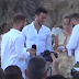 Ζευγάρι Γάλλων στον πρώτο γκέι γάμο στη Μύκονο (video)