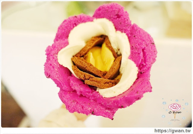 O Rose法式冰淇淋,捷運美食,捷運藍線美食,花朵冰淇淋,玫瑰花冰淇淋,少女甜點,夢幻甜點,手工冰淇淋,甜點下午茶,玫瑰花瓣,法國主廚-21