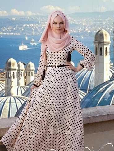 Model busana muslim gamis menawan