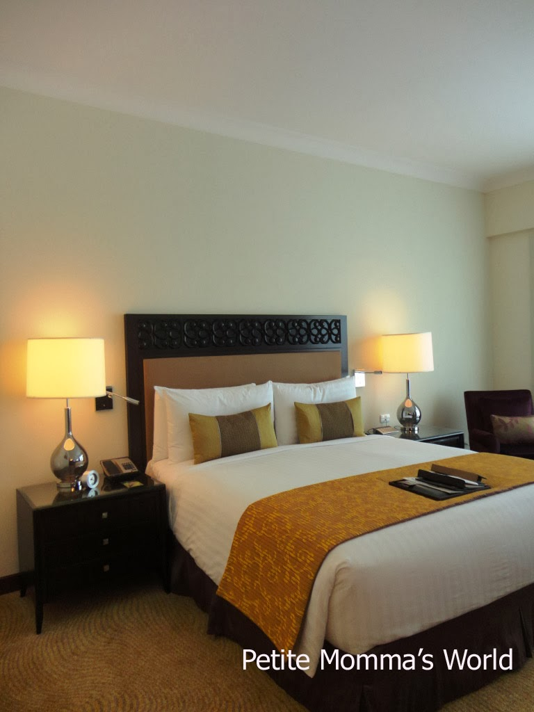Fairmont Makati Room