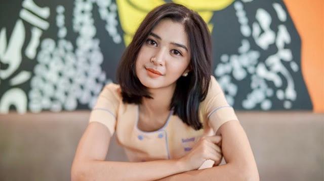 Tantangan Mikha Tambayong Hijrah Dari Sinetron ke Film