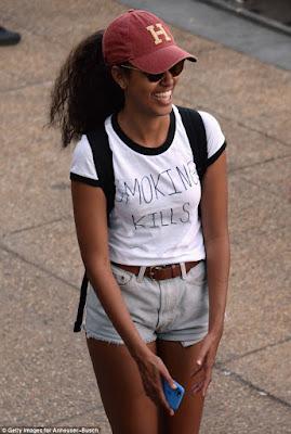 Malia Obama wears 'Smoking kills' tee-shirt at Made In America festival (photos)