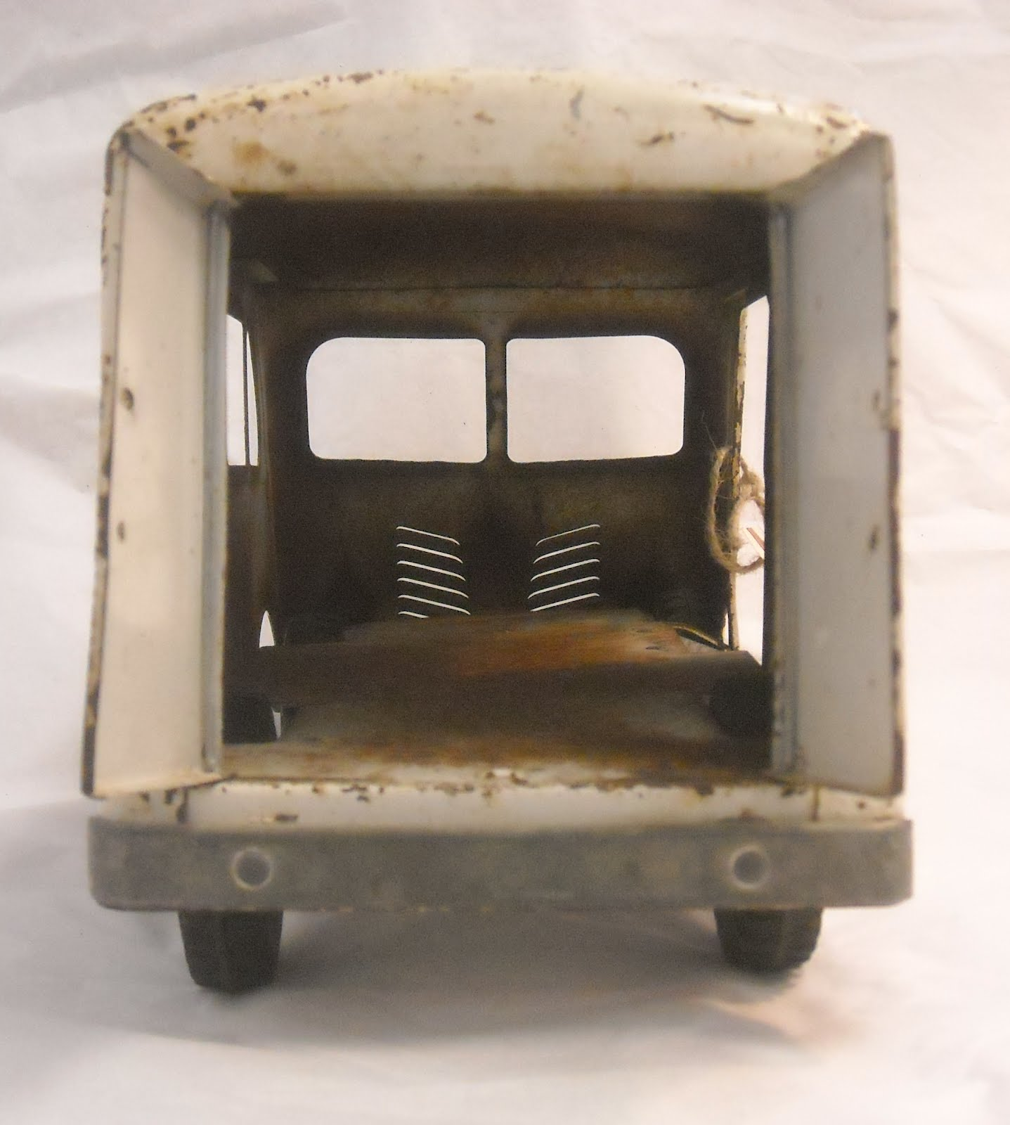 Royal Cat Records Vintage 1950s Tonka Delivery Van With