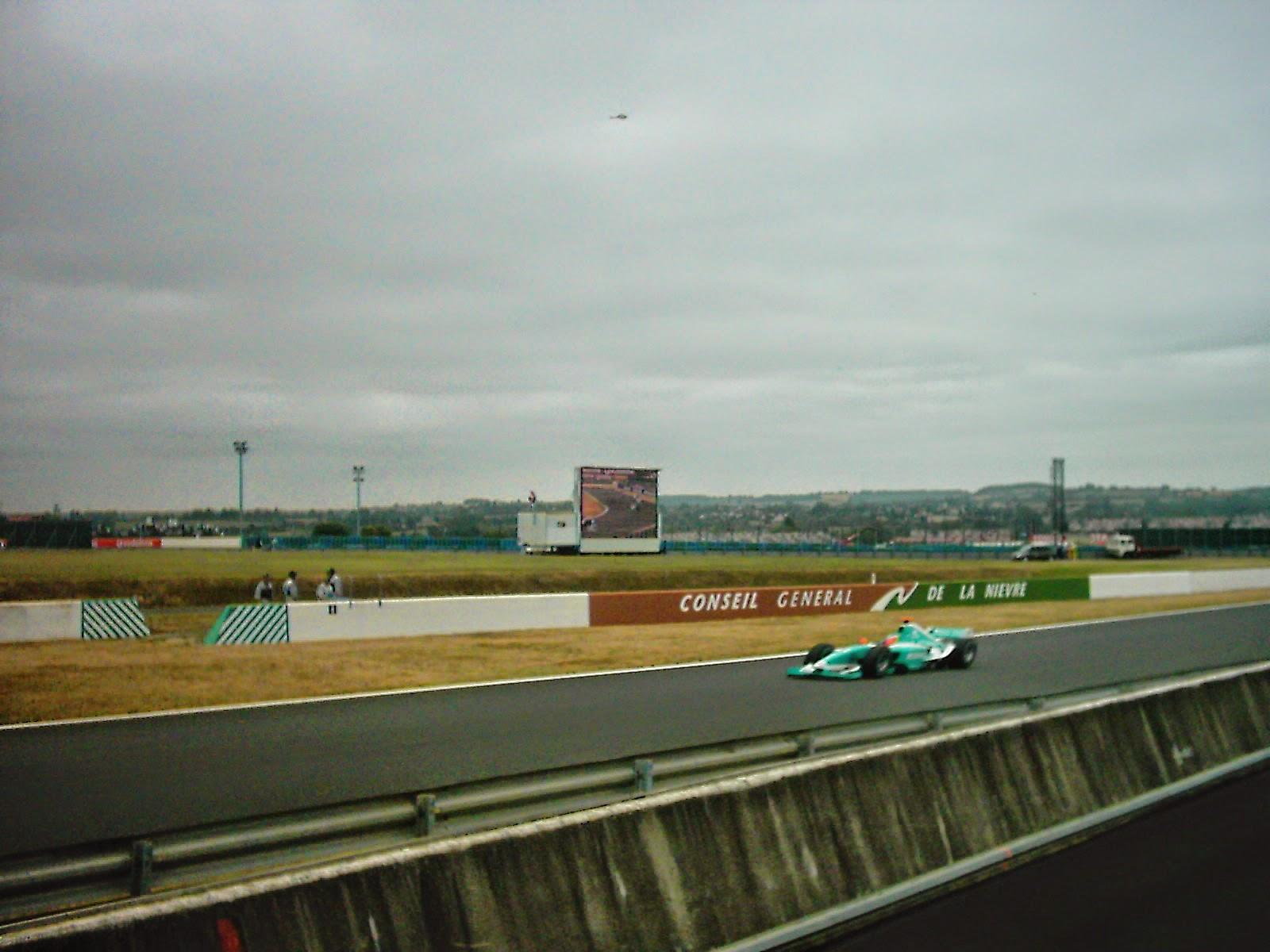 Ser feliz en Francia; F1