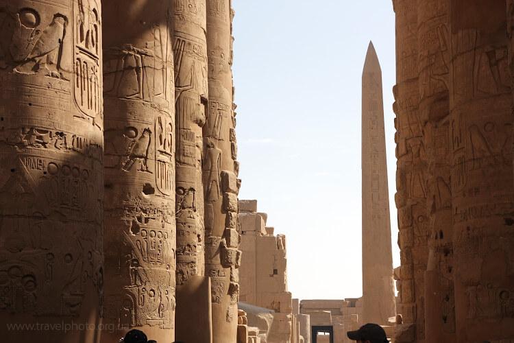 Египет, Луксор, Карнакский храм, колонны с иероглифами