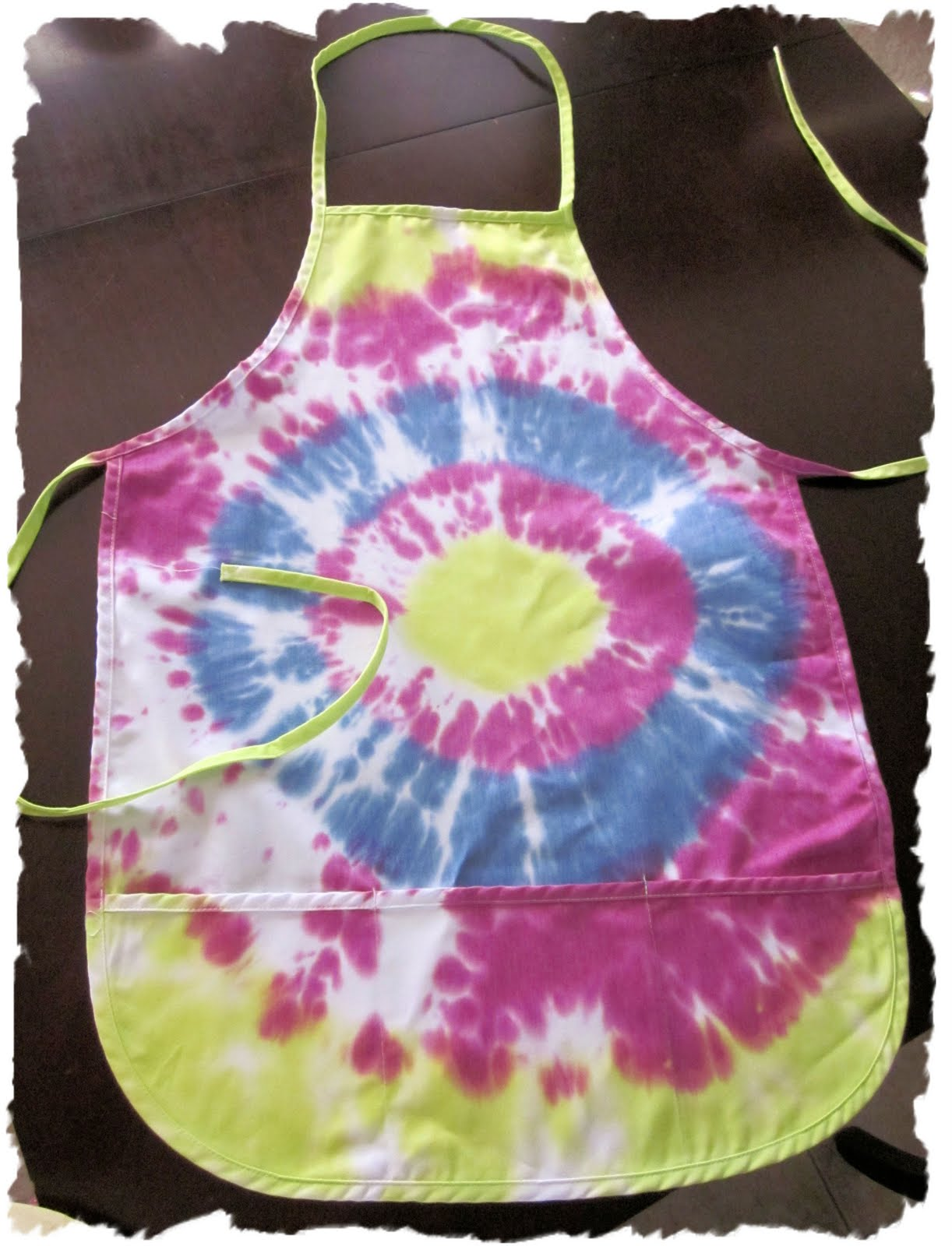 Totally Groovy Modern Nails With A Mod Flair: Eclectic Nut: Tie-Dye Apron
