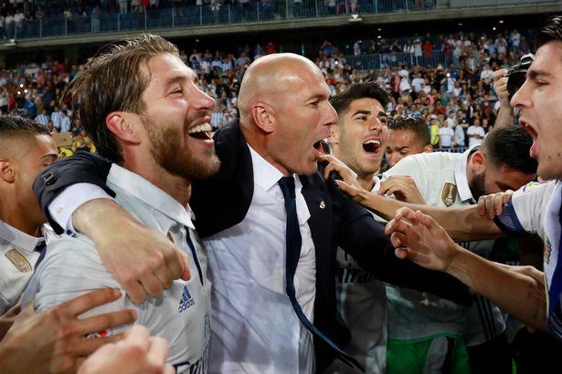 Sốc nặng vì Zidane, sao Real đồng loạt tri ân