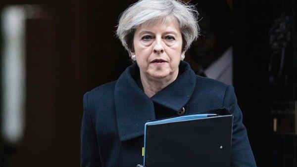 Dimite Comisión de Movilidad Social británica por faltas de May