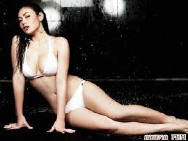 Foto Bongkoj Khongmalai, cantik, seksi, paha mulus