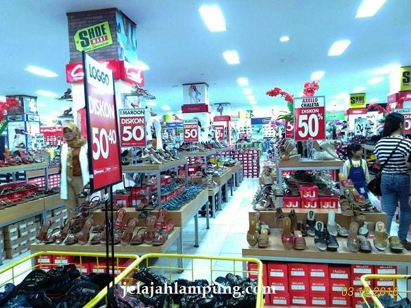 shoe mart mal lampung