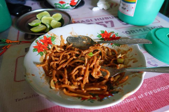 makan halal di toraja