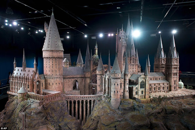 Incredibly Detailed Model Of Hogwarts Castle