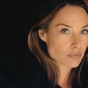 Claire Forlani age, son, husband, family, wedding, eyes, wiki, height, now, photos, movies, hot, milo thomas scott, 2016, films, mallrats, tv shows, dougray scott, meet joe black, actress, basquiat,   bikini, películas, filme, brad pitt, feet, the rock, film, hawaii five o, pictures, filmy, foto, imdb, young, ncis, kinder, instagram