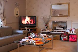tv fireplace christmas day