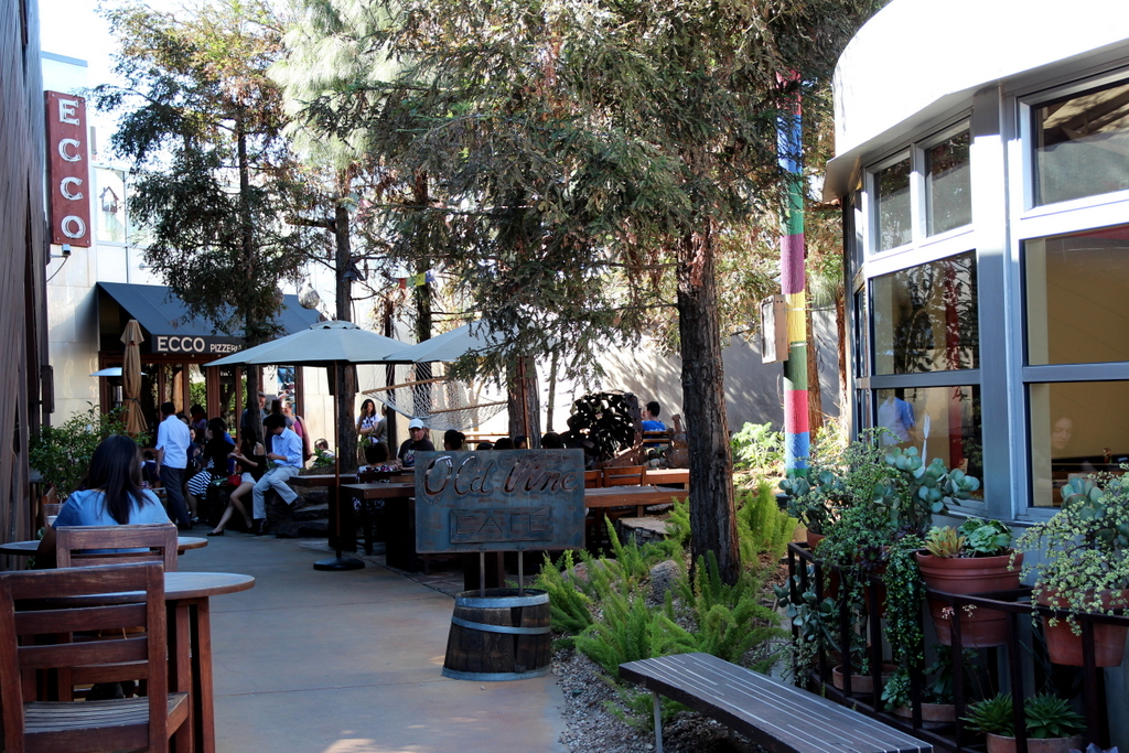 The Camp Is Located On Bristol St Costa Mesa Across Street From Lab In It You Will Find A Carefully Selected Group Of Restaurants And S With