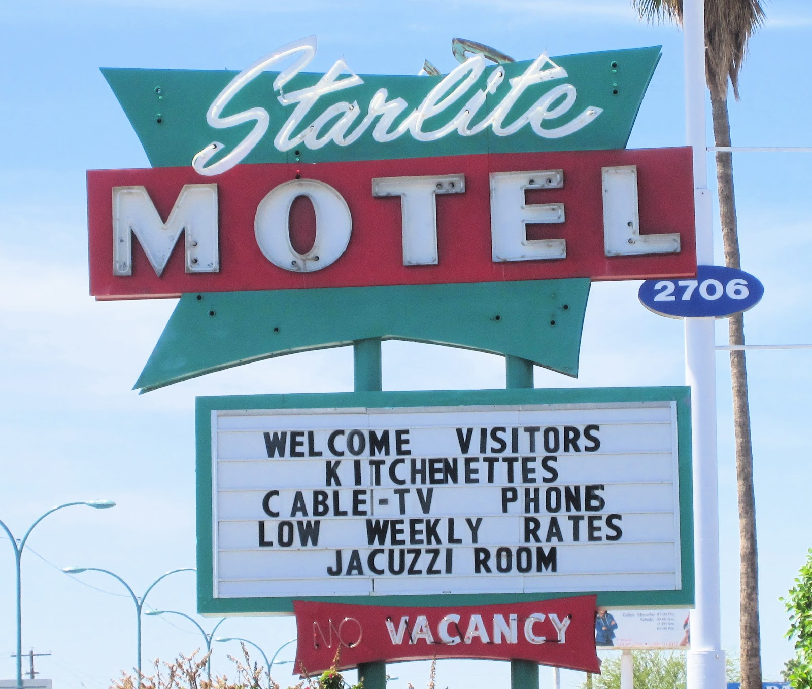 Wacky Tacky: Signs Of The Times: Starlite Motel