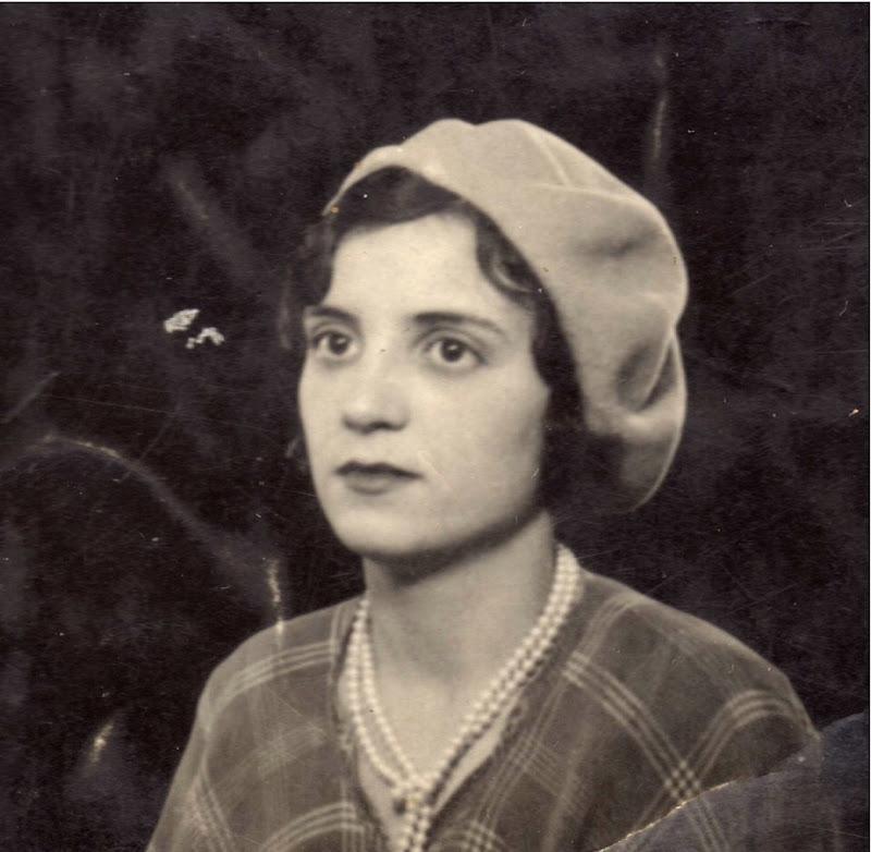 Isabel Acózar (1910-2006)