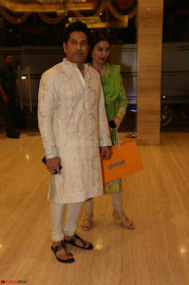 Sachin Tendulkar with his wife at Mata ka Jagrata hosted by Anu Malik 15.JPG