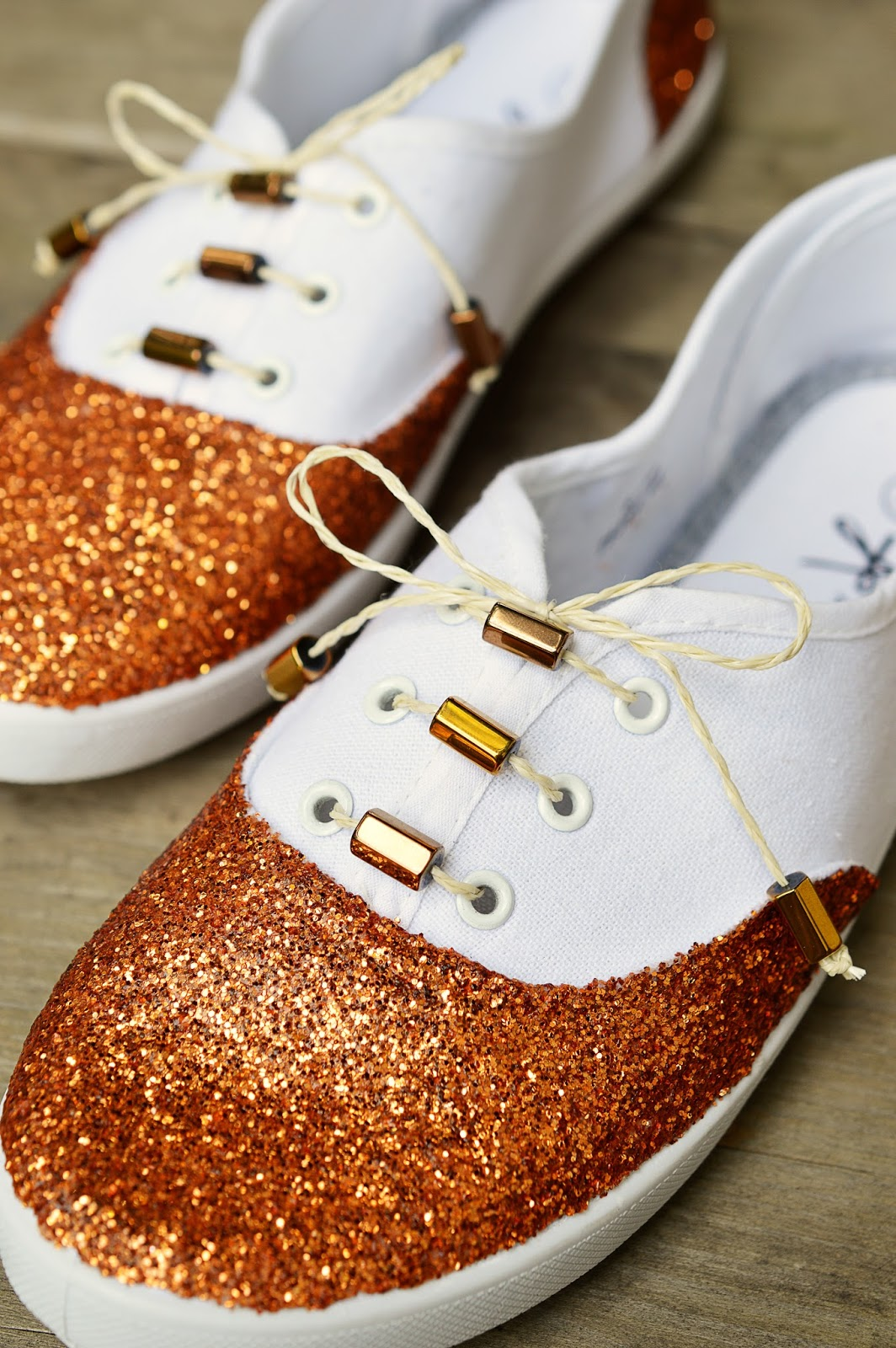 DIY Glitter Shoes | Motte's Blog