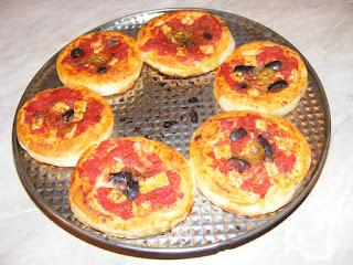 mini pizza, retete, reteta pizza, retete pizza, retete de post, pizza de post, retete culinare, retete de mancare, pizzerie,
