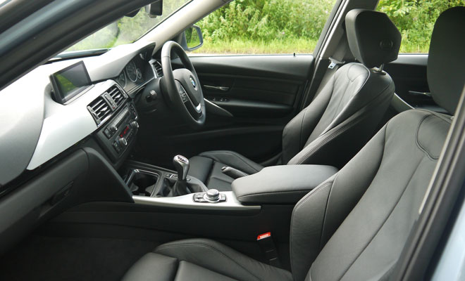 BMW 320d Efficient Dynamics interior