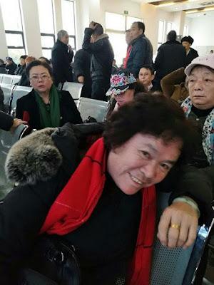 贵州近300位民代幼教师到省信访局上访维权