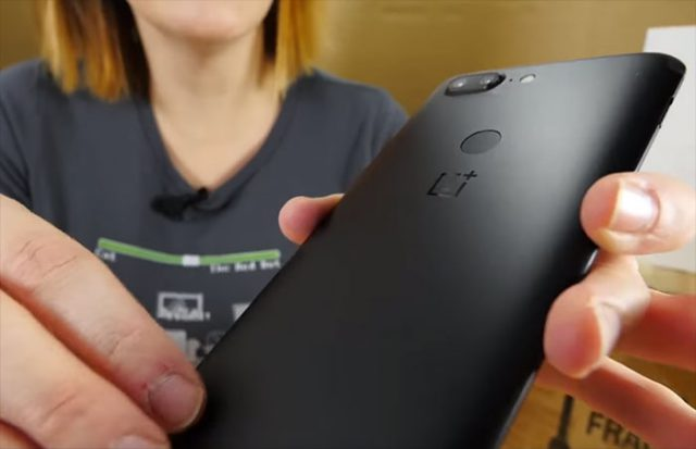 oneplus-5t-unboxing-video-clipset-channel